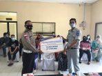 Satlantas Polres Bintan saat menerima program bina lingkungan dari Jasa Raharja