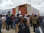 Menko Perekonomian RI Erlangga saat meresmikan pelepasan Olahan Kelapa milik PT BOF di Pelabuhan Bandar Seri Udana Lobam, Kabupaten Bintan