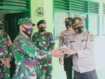 AKP Monang saat memberikan kejutan ke Danramil 02 Bintim di HUT TNI ke-75 tahun