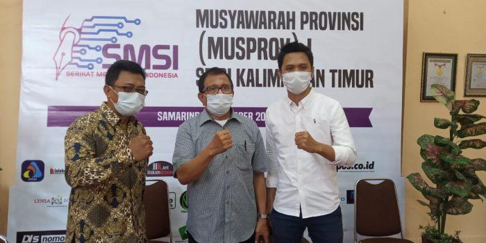 Abdurrahman Amin (Kanan) bersama Ketua Dewan Pakar SMSI Hendry Ch Bangun (Tengah) dan Ketua PWI Kaltim, Endro S Efendi (kiri)
