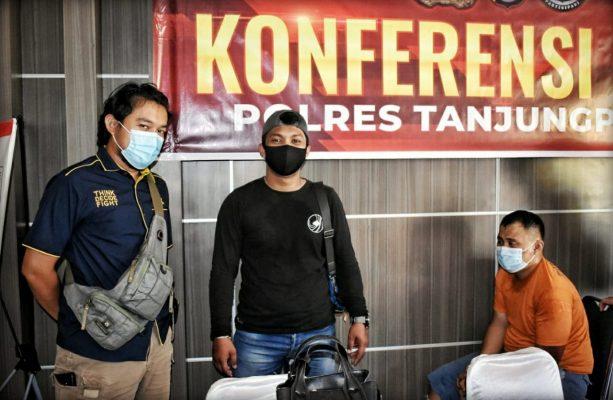 Pelaku jambret DS saat dijaga ketat oleh Anggota Satreskrim dan Sat Intelkam Polres Tanjungpinang
