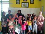 Mahasiswa STAI MU saat mengajar di salah satu SD di Tanjungpinang