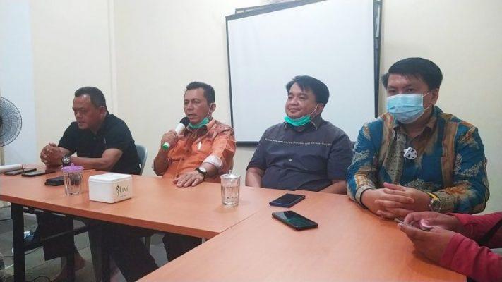 Cagub Kepri Ansar Ahmad bersama Tim Pemenangan