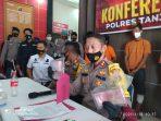 Kapolres Tanjungpinang AKBP Fernando saat menunjukkan BB Upal ke awak media
