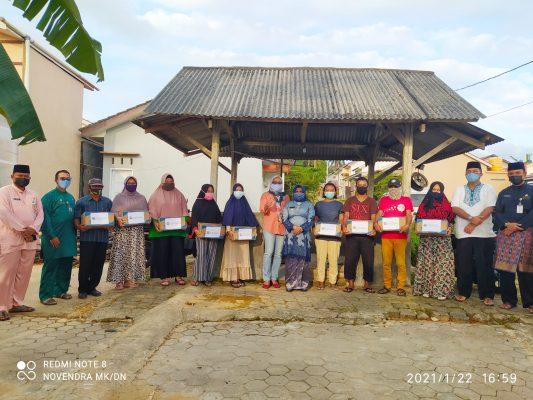 Walikota Tanjungpinang Rahma S.IP usai memberikan bantuan ke warga terdampak