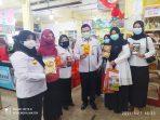Walikota Tanjungpinang Rahma S.IP saat menunjukkan produk UMKM Kota Tanungpinang yg akan dipasarkan di swalayan-swalayan